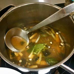 Cazo con sopa de Miso